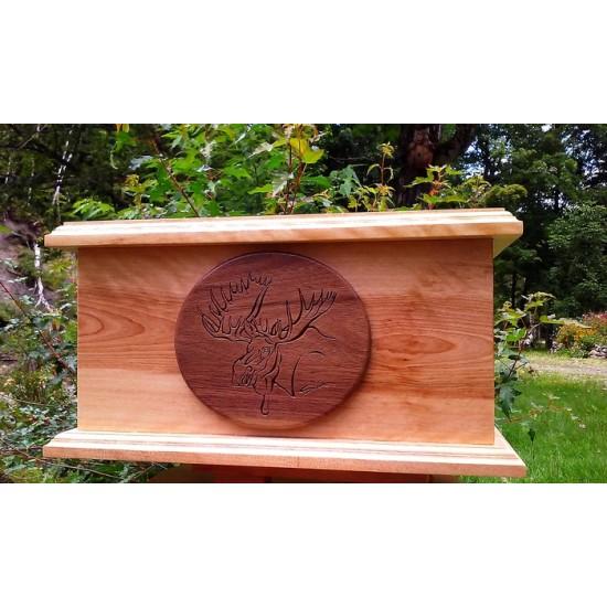 Urne en bois d'érable naturel vernis avec...