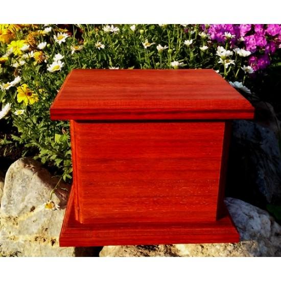 urne cin raire cologique en bois de padouk naturel vernis atelier au tour du bois. Black Bedroom Furniture Sets. Home Design Ideas