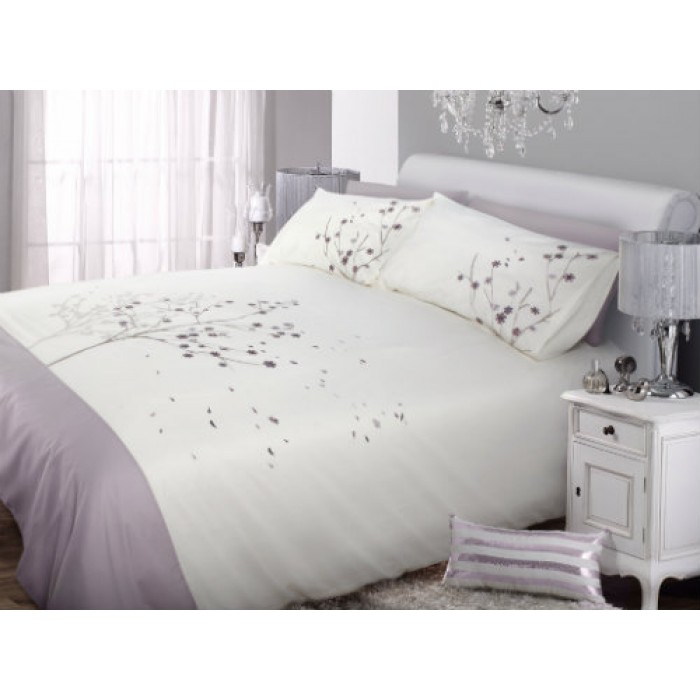 housse de couette brod e en coton doux decorsfabrics quebec canada. Black Bedroom Furniture Sets. Home Design Ideas