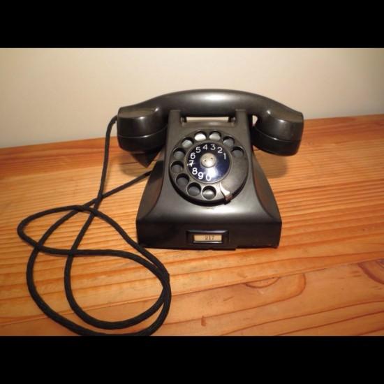 Téléphone vintage Européen
