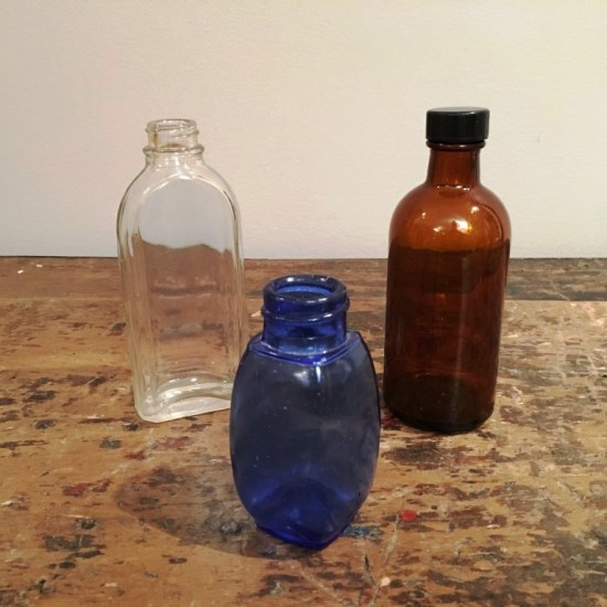 Petite bouteille en verre transparent