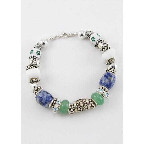 Bracelet avec sodalite porcelaine et cristal...