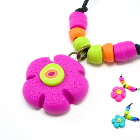 Collier fleur colorée