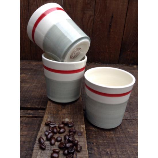 Tasse à cappuccino ou verre à bière